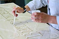 Заливка витража полимерными лаками разных цветов